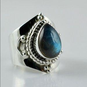 Jewelry - LABRADORITE SILVER RING